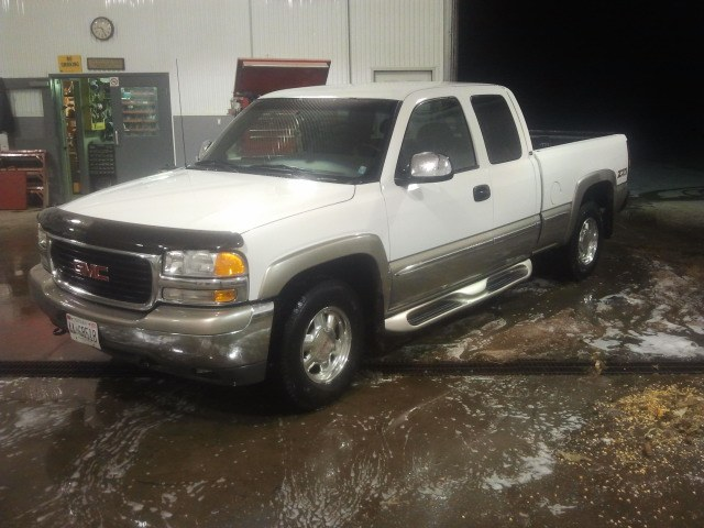 Another LiquidPaper 2000 GMC Sierra 1500 Extended Cab post... - 16084807