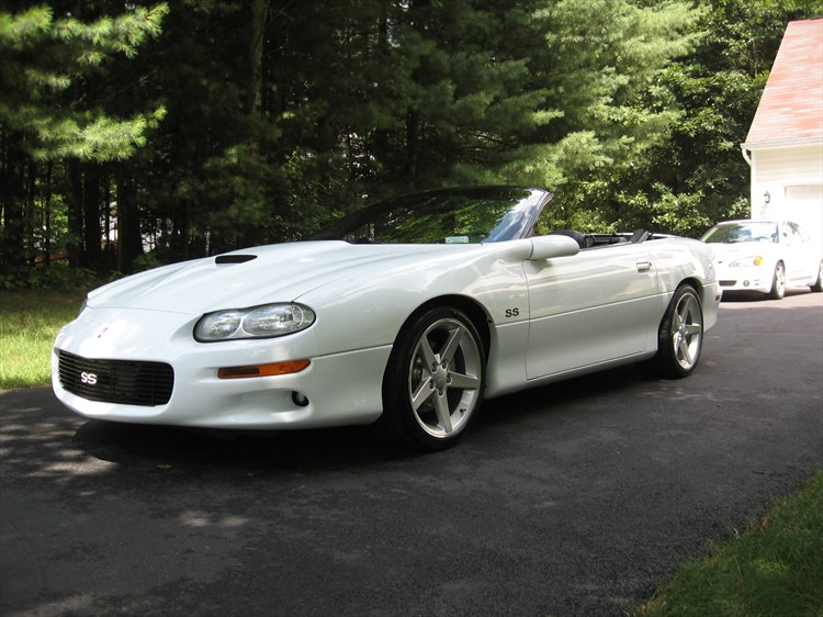 Showcase1186 2000 Chevrolet CamaroZ28 Convertible 2D's Photo Gallery