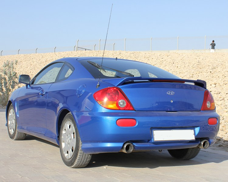 rogeh 87 2002 hyundai tiburon specs photos modification info at cardomain cardomain