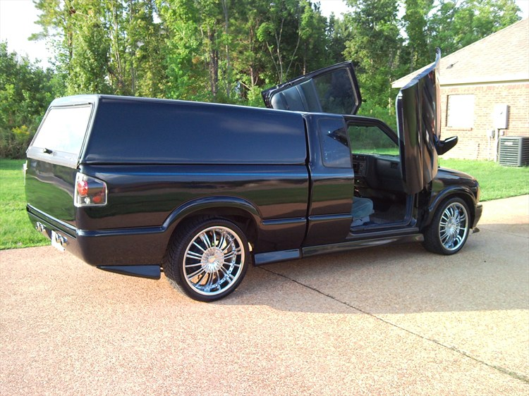 nick lewis 39 s 1995 chevrolet s10 extended cab pickup in. Black Bedroom Furniture Sets. Home Design Ideas