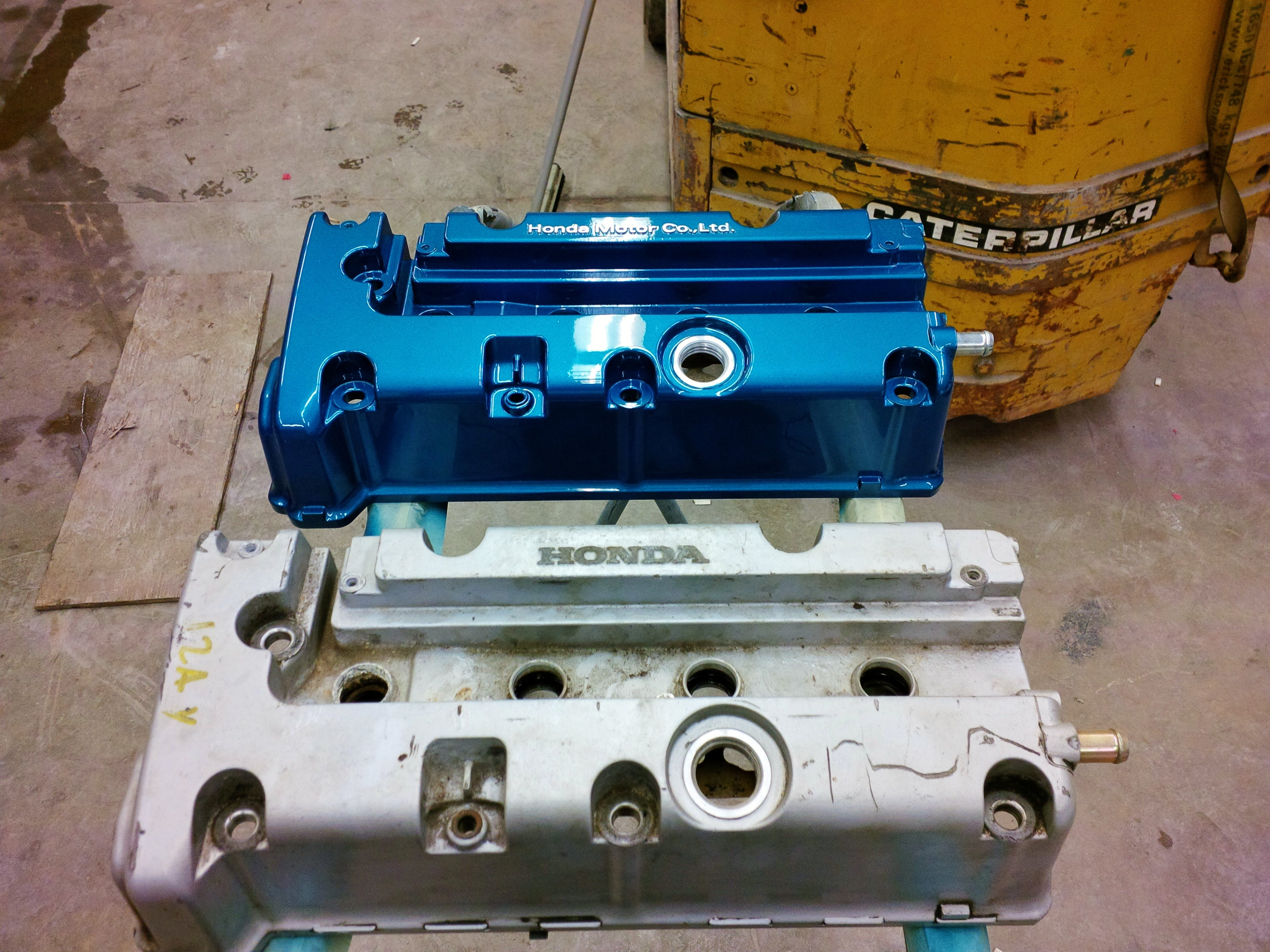 valve cover painted and cf hood re cleared  - 19024056