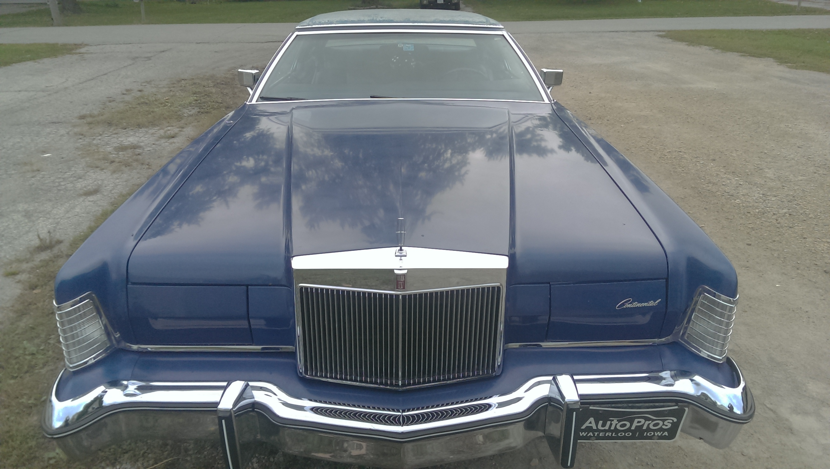 This is my 75 Lincoln Continental Mark IV (4) This actually happens to be my first car im only 15. I love this car its got the big block 460 and it just moves even when weighing 5200 pounds! - 19087069