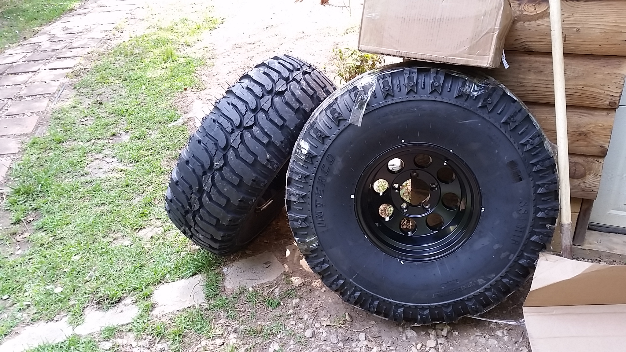 New tires! - 19060218