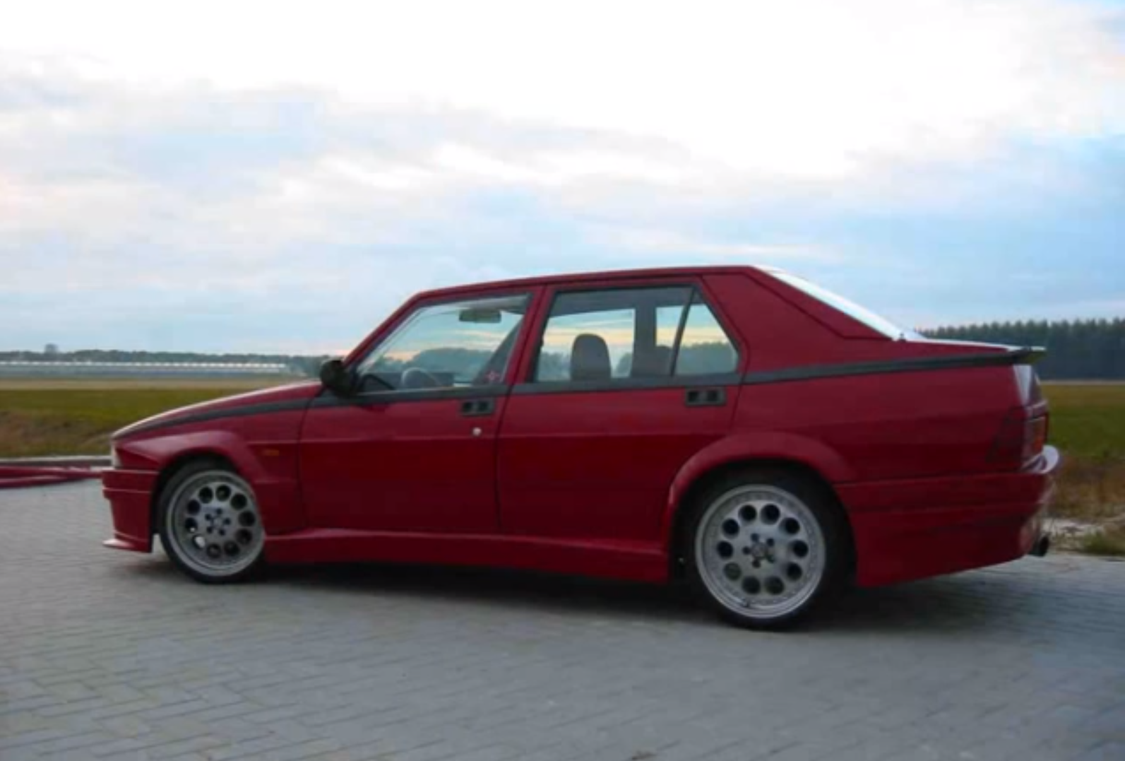 Alfa romeo milano 1987 for sale