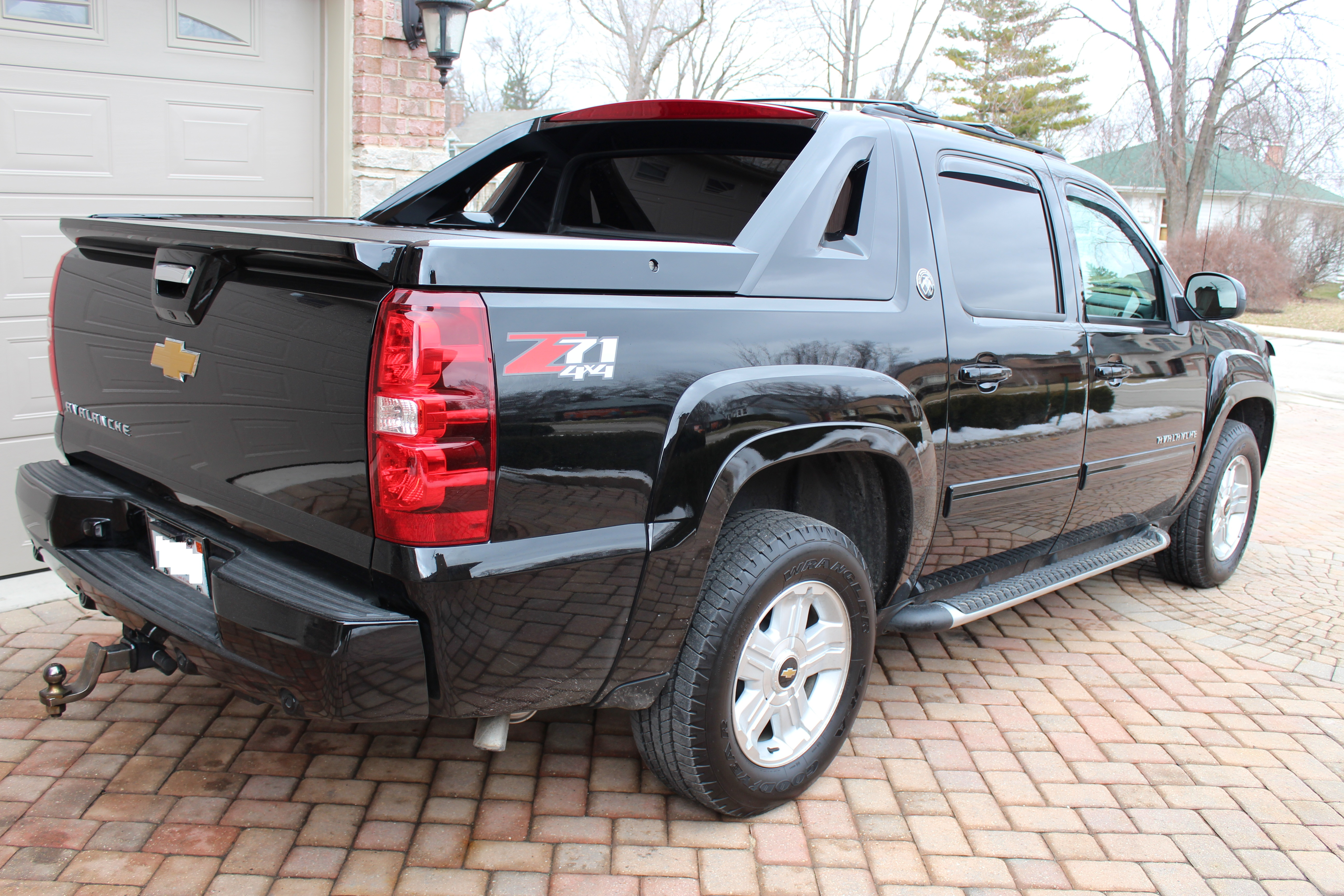 shlep3 2013 chevrolet avalanche specs photos modification info at cardomain. Black Bedroom Furniture Sets. Home Design Ideas