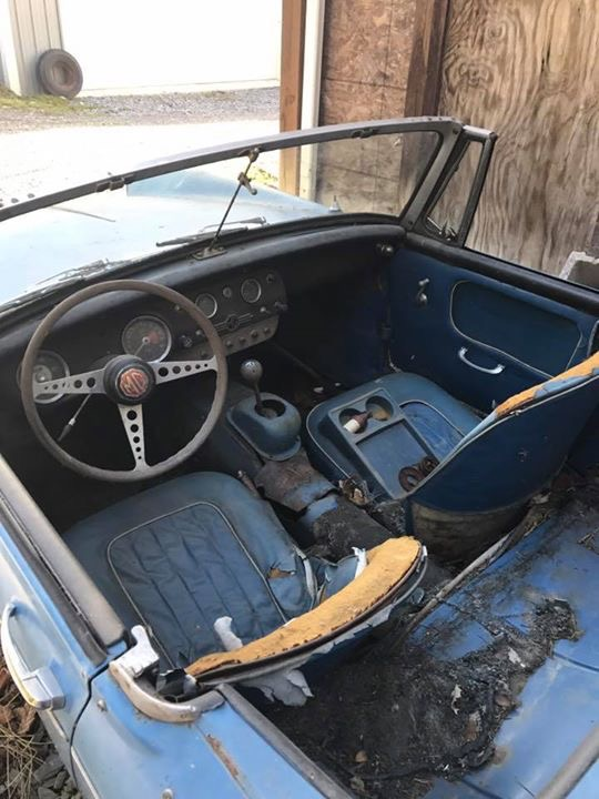 The Wife wanted a classic of her own. So she went and bought a 1964 MG Midget. - 19168220
