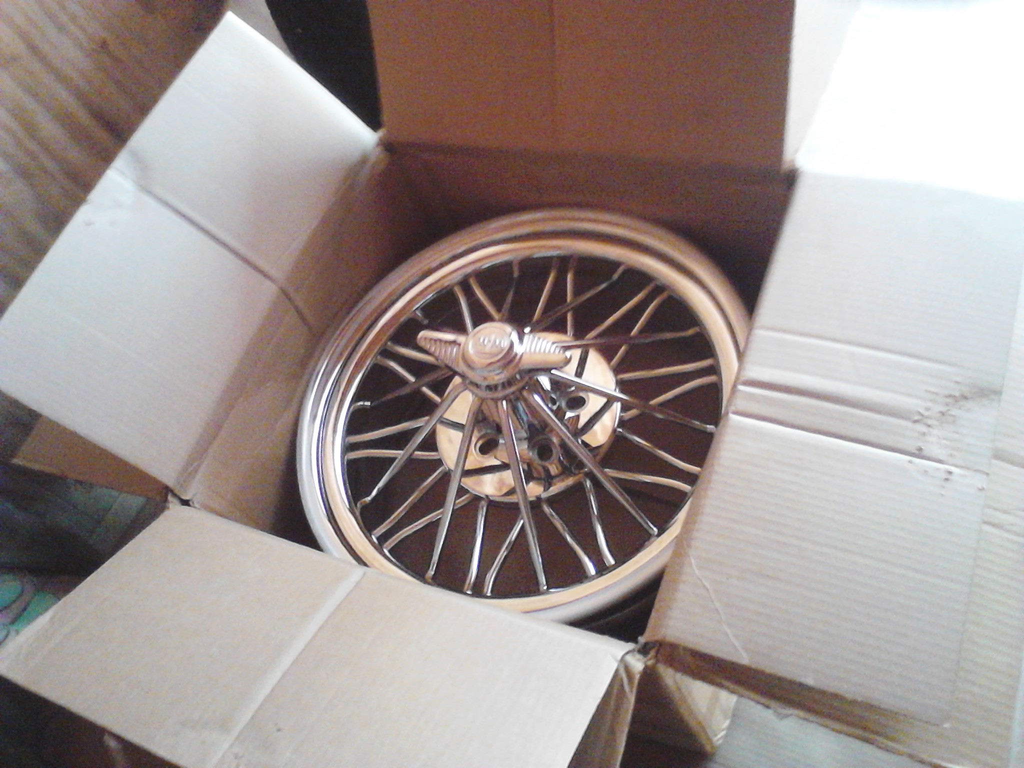 83s and vogues next - 19065316