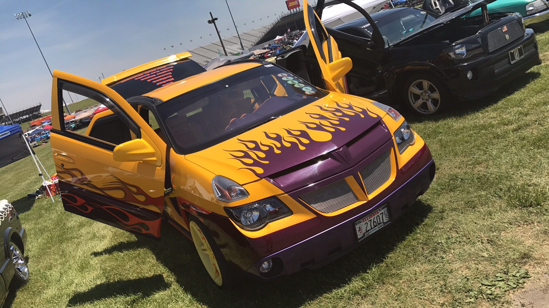 shortbuss 2002 Pontiac Aztek's Photo Gallery at CarDomain