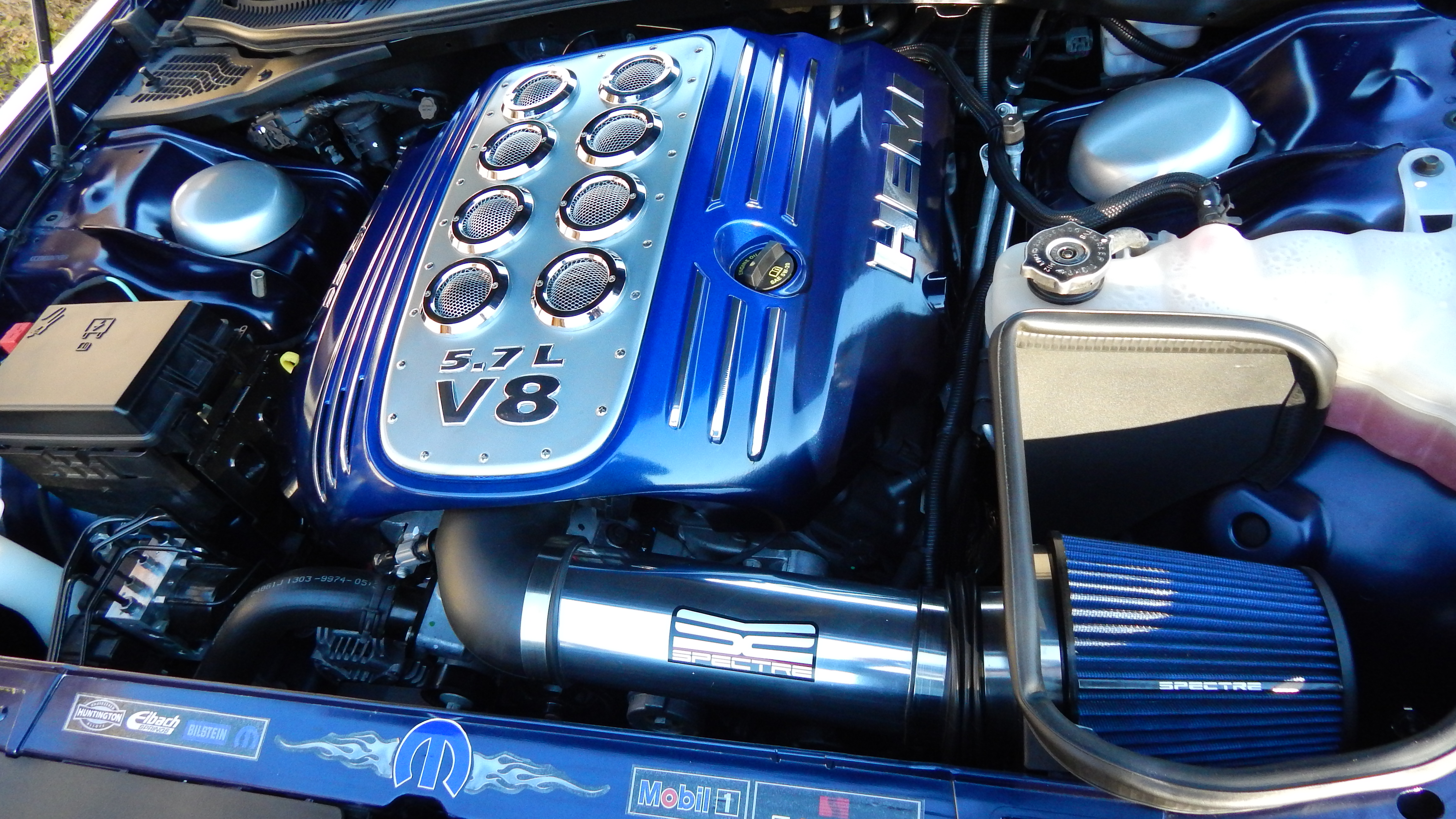 Custom detailed engine bay.............. - 19060452
