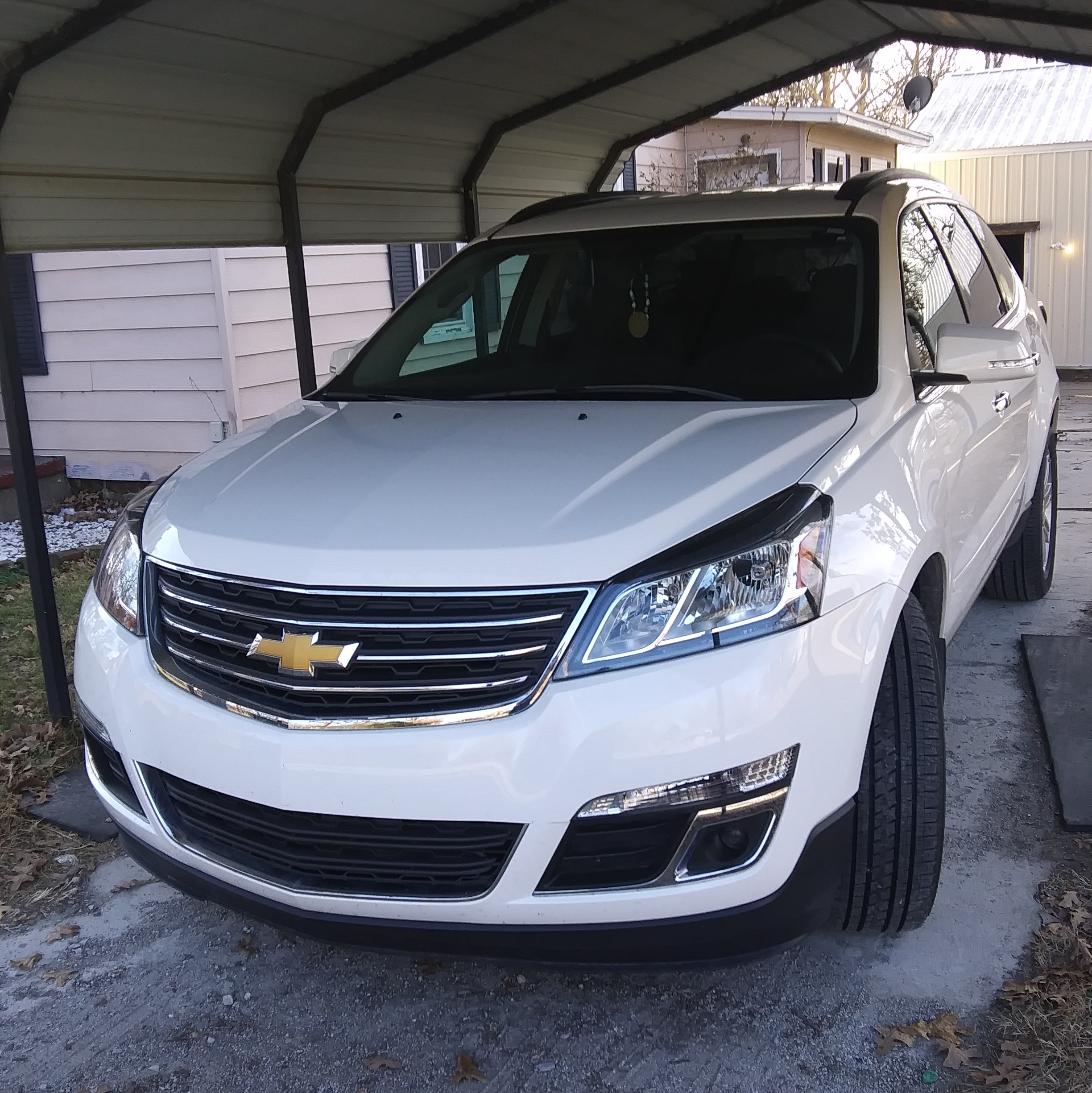 2012 Chevrolet Traverse Interior: 5.0implant 2014 Chevrolet TraverseLT-Sport-Utility-4D
