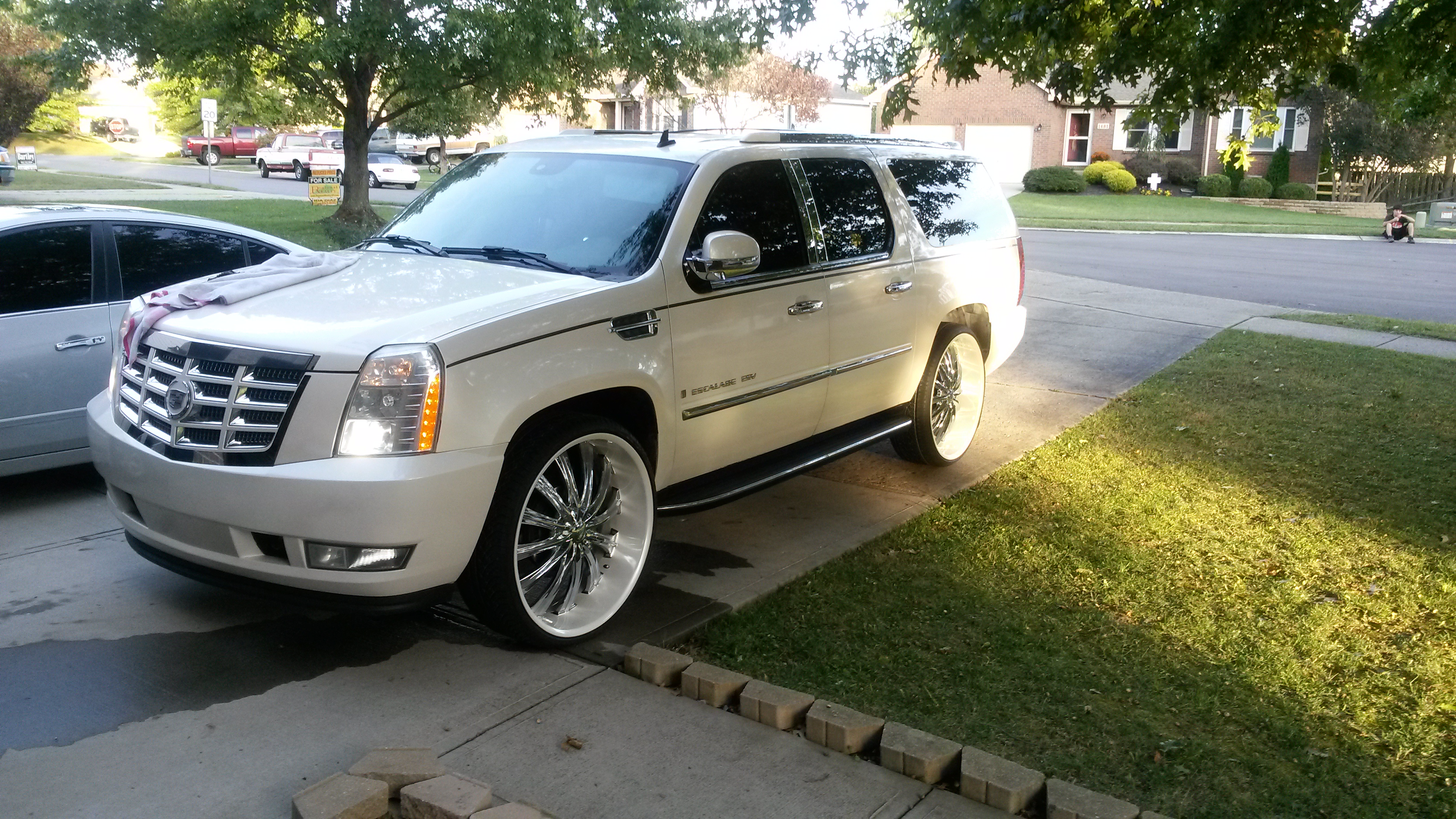 slipster 2008 cadillac escalade esvsport utility 4d specs. Black Bedroom Furniture Sets. Home Design Ideas