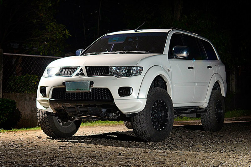 Montero Wheel and Suspension Upgrade - Nov 2011 - 19047826