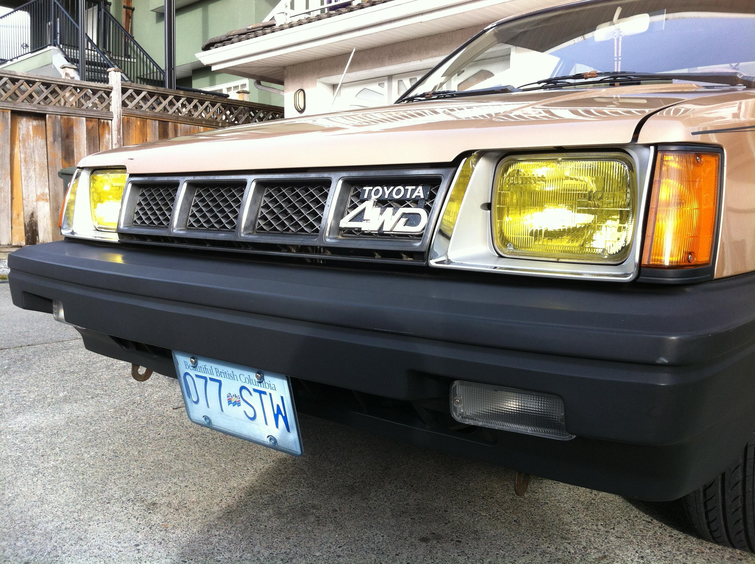 My EXPO 86 with clear signal lens and a Tercel 4WD grill! - 19036977