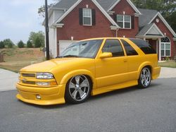 xtremelyellows 2003 Chevrolet Blazer