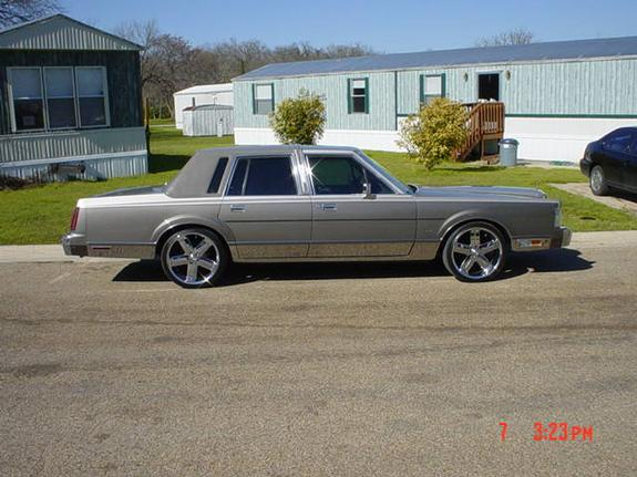 ktowntx 1988 lincoln town car specs photos modification info at cardomain. Black Bedroom Furniture Sets. Home Design Ideas