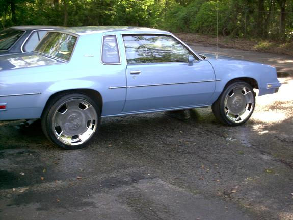 cuttdogg 1984 Oldsmobile Cutlass Supreme