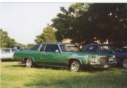 low_moe 1975 Chrysler Newport