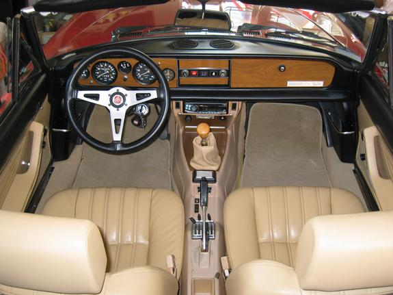Maxresdefault moreover Cars At Speed Classic Stories From Grand Prixs Golden Age together with Large likewise Alfaromeospider together with Fiat Spider Gauges. on 1982 fiat spider 2000
