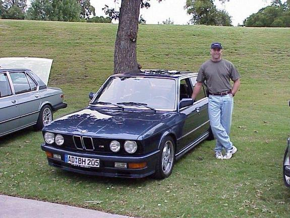 samouce 1985 BMW 5 Series