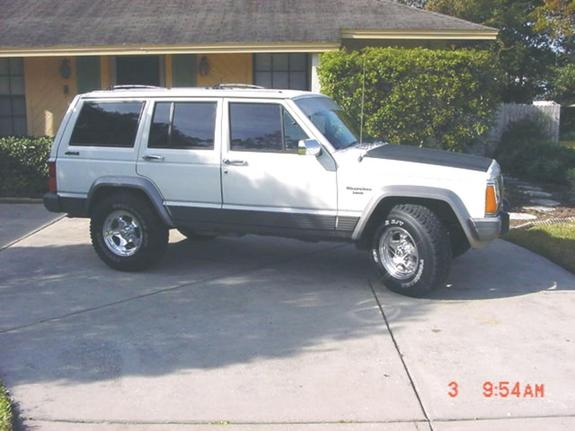 Another hammared 1989 Jeep Cherokee post... - 898403