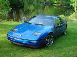 LoW_KeY_88 1988 Pontiac Fiero