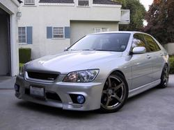 aznaxis 2001 Lexus IS