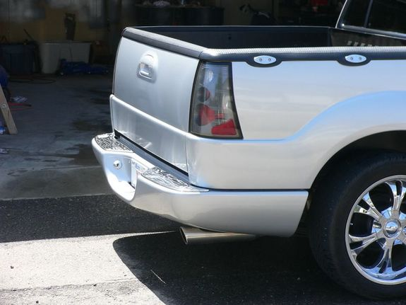 Another radioaktive 2001 Ford Explorer Sport Trac post... - 30194