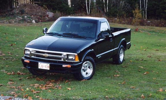 fostdaddy 39 s 1998 chevrolet s10 regular cab in saint john nb. Black Bedroom Furniture Sets. Home Design Ideas