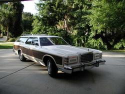thericeist 1975 Ford LTD Country Squire