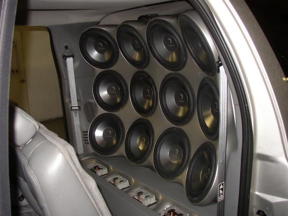 Excursionsound's 2002 Ford Excursion