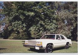 TIRESHREDDER 1984 Ford LTD Crown Victoria