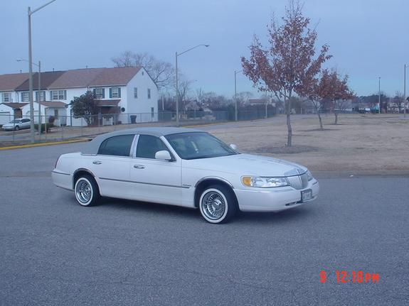 Another Towncarfan 2000 Lincoln Town Car Post 1260811 By Towncarfan