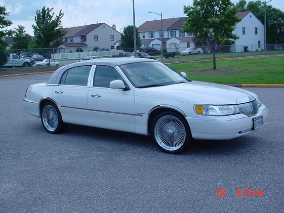 Towncarfan 2000 Lincoln Town Car Specs Photos Modification Info At
