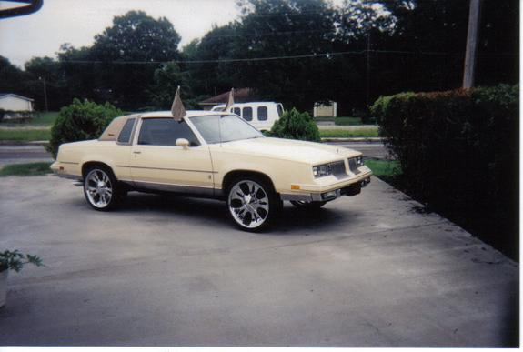 Another 86cheesecake 1986 Oldsmobile Cutlass Supreme post... - 1236174