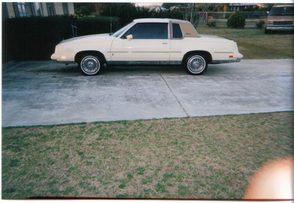 Another 86cheesecake 1986 Oldsmobile Cutlass Supreme post... - 1236183