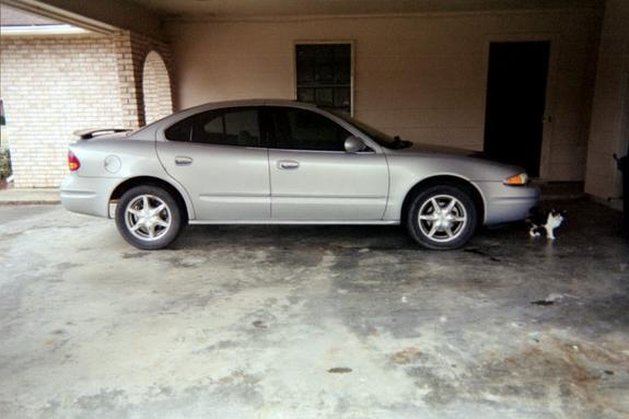 Large on 2000 Oldsmobile Alero
