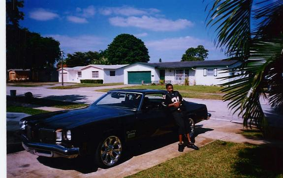 GUCCIMIKE 1974 Oldsmobile Cutlass 1287692