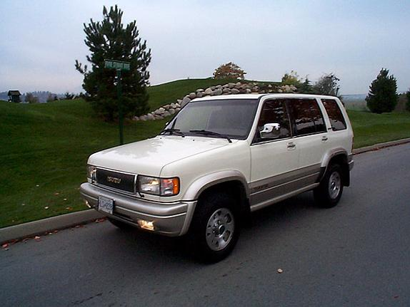 Bennett's 1996 Isuzu Trooper Page 2 in ,