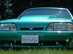 BOTTLFED 1992 Ford Mustang