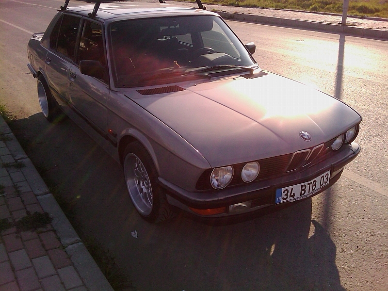 bmwdb 1986 BMW 5 Series 1393996