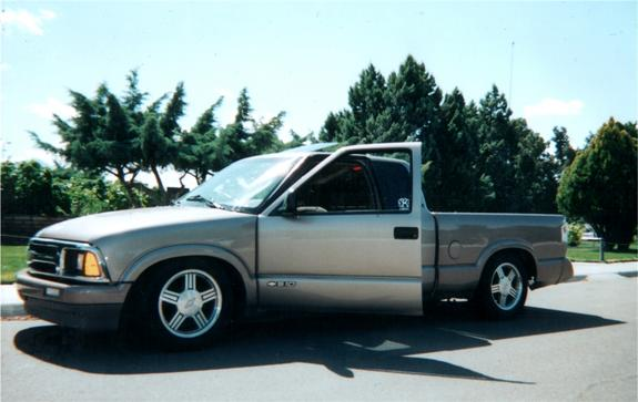 leveled 1996 Chevrolet S10 Regular Cab