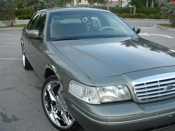 Another thumindatrunk 2001 Ford Crown Victoria post... - 1545234