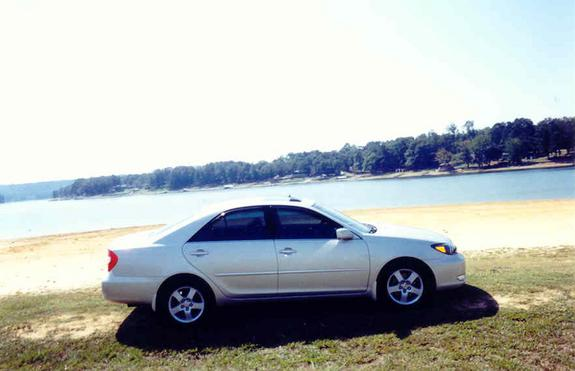 Another AgUySoFlY0825 2003 Toyota Camry post... - 1561312
