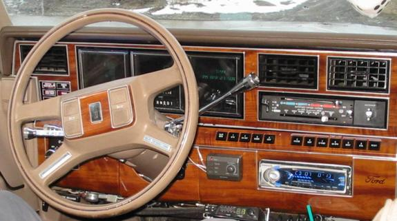 bigvic50 1989 lincoln town car specs photos modification info at cardomain. Black Bedroom Furniture Sets. Home Design Ideas