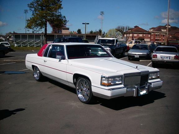 Another minoelstyle 1986 Cadillac DeVille post... - 1612827