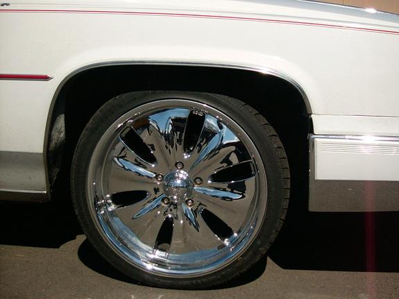 Another minoelstyle 1986 Cadillac DeVille post... - 1612828