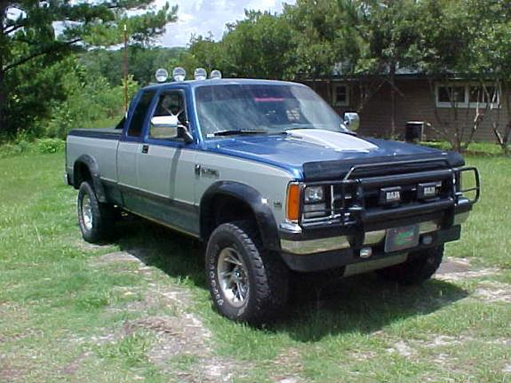 joelliottt's 1990 Dodge Dakota Regular Cab & Chassis