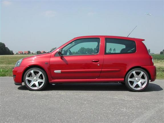 Maurits 2002 Renault Clio Specs Photos Modification Info