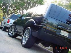 blacksnakevert 2001 Ford Explorer