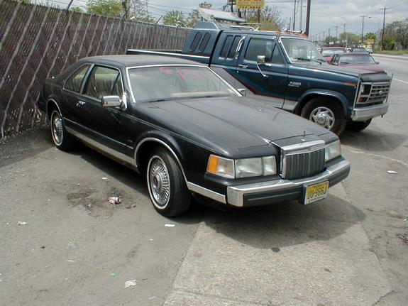 Another oldschool03 1984 Lincoln Mark VII post... - 1820815